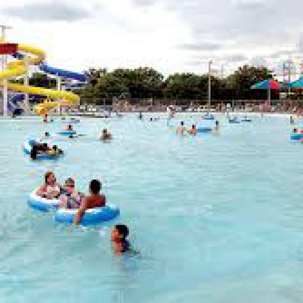 The big pool finney county kansas garden city for Garden city pool