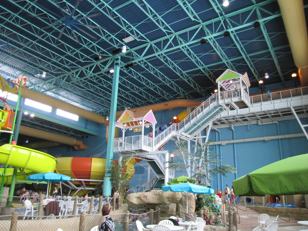 Parrot Cove Indoor Water Park – Family Fun All Year Round